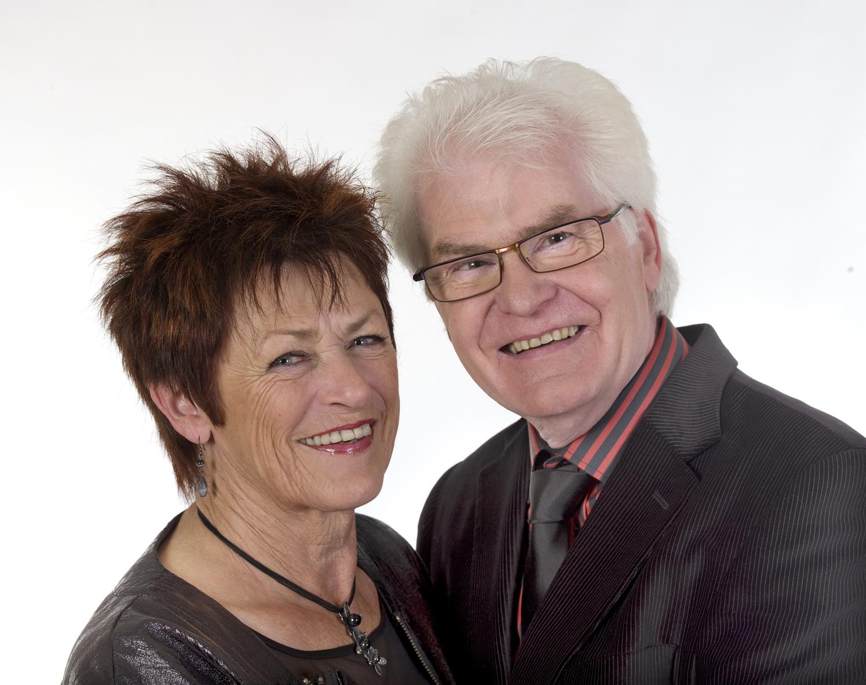 Lis og Per synger julen ind
